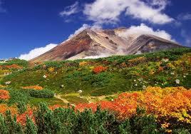 日本の活動している火山は世界の●●%!日本国内でなんと●●個の活火山がある。