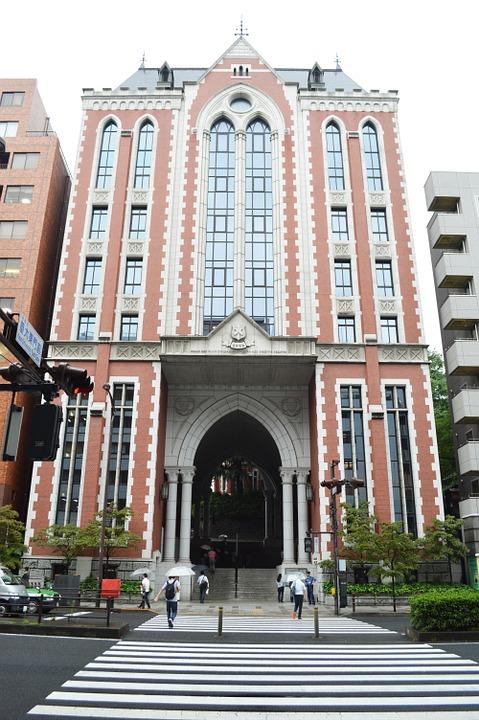 世間で一流大学と言われる東京大学、慶應大学の男子学生が女性への集団暴行に向かわせる背景は?