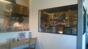 ブラウンオニオンカレーファクトリー厨房